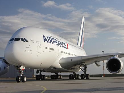 Ako sa cestuje na palube najväčšieho lietadla sveta: Cesta s A380 Los Angeles – Paríž
